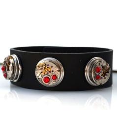 Smykkehula: Unikt tøfft armbånd, av flotte gammelt urverk og lær http://epla.no/handlaget/produkter/788895/