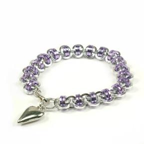 Be Chained: Armbånd. Barrel-lenke, sølv & lavendel http://epla.no/handlaget/produkter/788176/