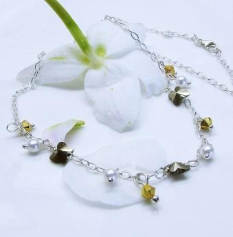 Sølvsmykke med sommerfugler http://epla.no/handlaget/produkter/761454/
