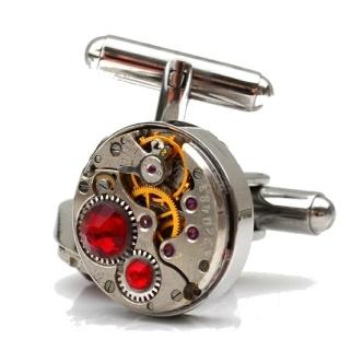 Steampunk mansjettknapper - med røde Swarovski-krystaller. http://epla.no/handlaget/produkter/709120/