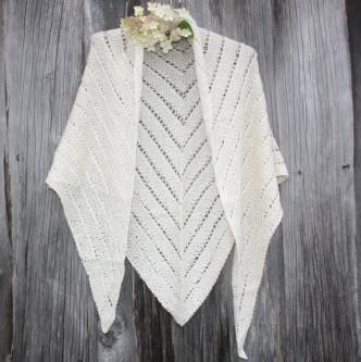 Supermykt sjal i alpakka og silke http://epla.no/handlaget/produkter/668178/