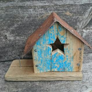 Fuglebrett med hus http://epla.no/handlaget/produkter/763690/