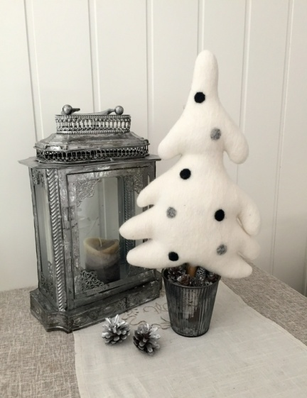 Arctic christmas design Arctic Tree; Sukkertoppen (med dekor) http://epla.no/handlaget/produkter/806692/