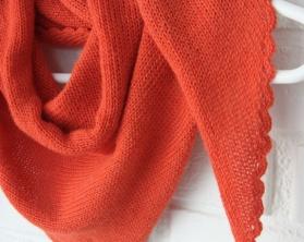 "Amy`s Knitting Sjal i Alpakka med ""blondekant"" https://epla.no/handlaget/produkter/808302/"