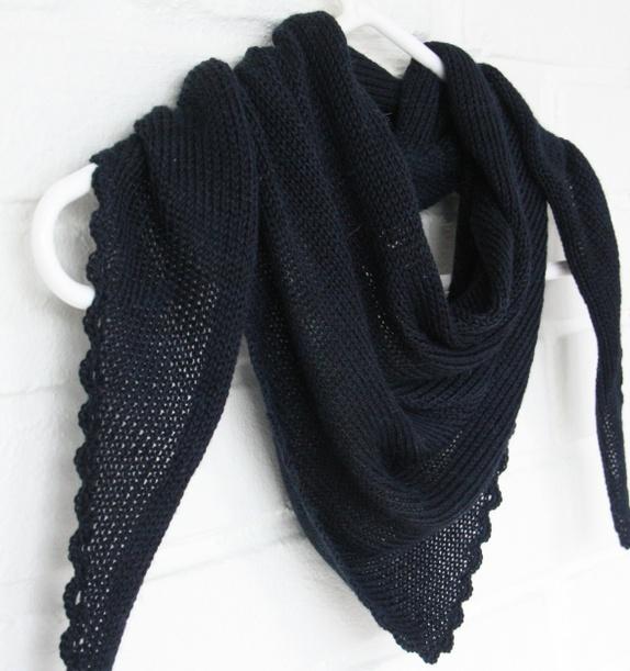 """Amy`s Knitting Sjal i Alpakka & Silke med """"blondekant"""" https://epla.no/handlaget/produkter/808294/"""