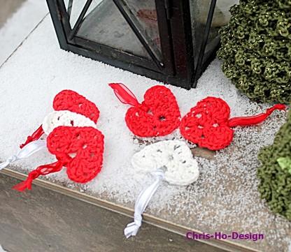 Chris-Ho-Design Sett m/3 heklede hjerter. http://chris-ho.com/forside-nettbutikk.html