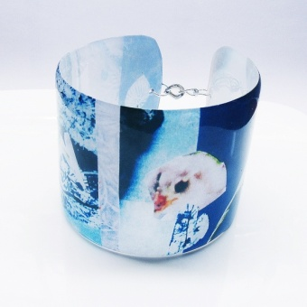 Kimmelinessmykker Håndlaget Epoxyarmbånd https://www.epla.no/handlaget/produkter/819640/