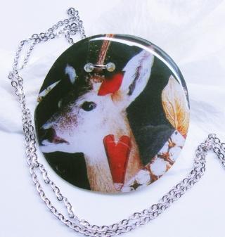 Kimmelinessmykker Oh Deer - håndlaget Epoxysmykke https://www.epla.no/handlaget/produkter/818893/