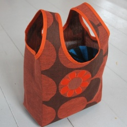 God som Grønn: Strikketøypose https://epla.no/handlaget/produkter/817038/