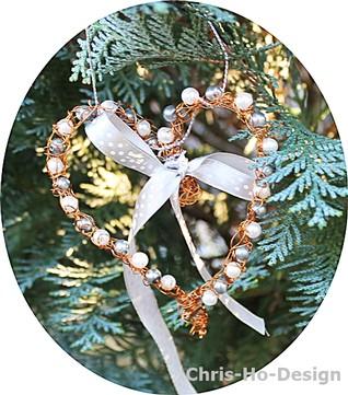 Chris-Ho-Design: Dekorhjerter i kobberfarget metall. http://chris-ho.com/dekorhjerter.html
