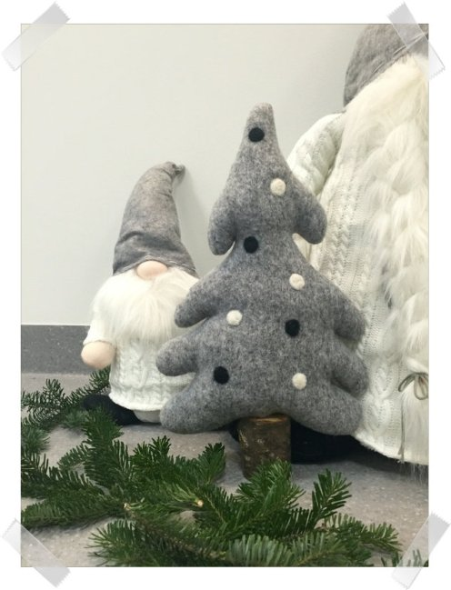 Arctic Christmas Design: Arctic Tree; Trollsteinen https://www.epla.no/handlaget/produkter/827243/