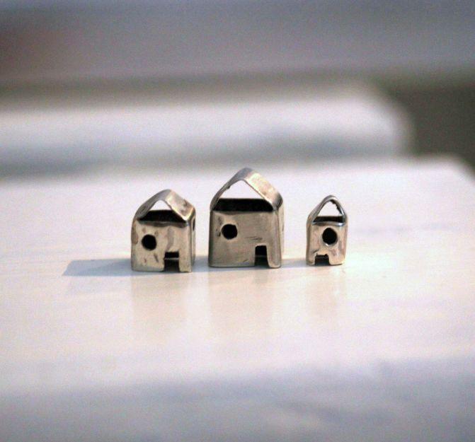 Sara Jewellery: THREE SILVER HOUSES http://sarajewelleryanddesign.tictail.com/product/three-silver-miniature-houses
