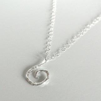 Zylla Smykker: Januarsalg -30%! Spiralsmykke, sølv https://www.epla.no/handlaget/produkter/708706/