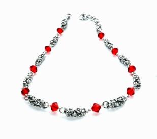 Smykkedama: SALG - Kongelennke med røde swarovskikrystaller http://www.smykkedama.no/367825741/product/1263374/salg-kongelennke-med-r%C3%B8de-swarovskikrystaller?catid=220291