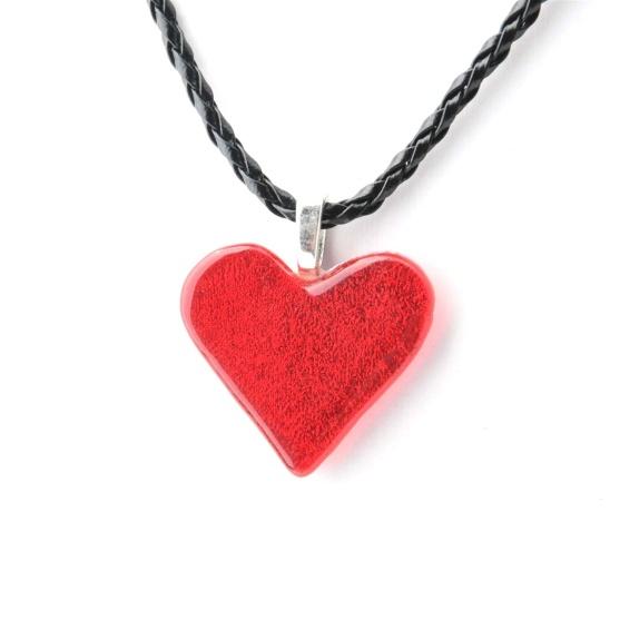 Smykkedama: Rødt hjerte http://www.smykkedama.no/367825741/product/1916506/r%C3%B8dt-hjerte?catid=635492