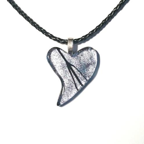 Smykkedama: Sølv med sort http://www.smykkedama.no/367825741/product/1921769/s%C3%B8lv-med-sort?catid=635492