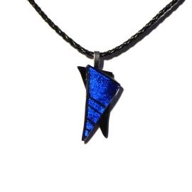 Smykkedama: Nydelig blå spiss http://www.smykkedama.no/367825741/product/1923071/nydelig-bl%C3%A5-spiss?catid=635492