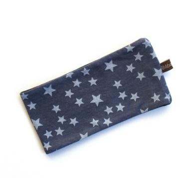 BLÅBÆRBARN: Pannebånd str. 48-50 med ullfor gråblå med stjerner https://www.epla.no/handlaget/produkter/841495/