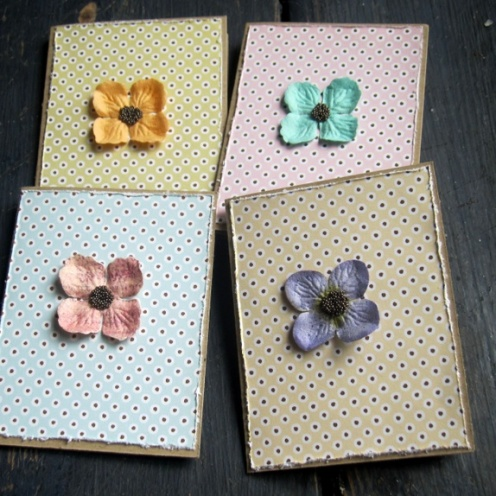 CIRKELINEDESIGN:Vintage blomst - 4 små kort https://www.epla.no/handlaget/produkter/844058/