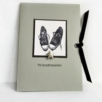 CIRKELINE DESIGN: Konfirmasjonskort - gutt https://www.epla.no/handlaget/produkter/846983/