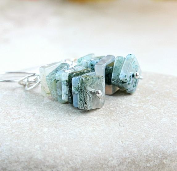 HILDES : Øredobber - opal - sølv https://www.epla.no/handlaget/produkter/850865/