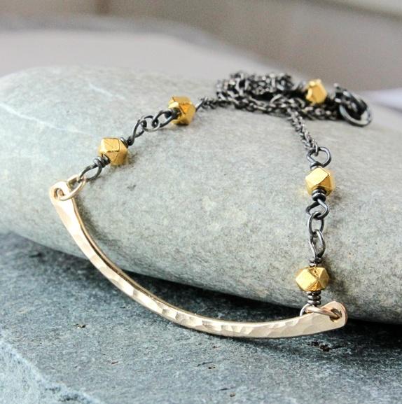 HILDES Halssmykke - gull og sølv https://www.epla.no/handlaget/produkter/862593/