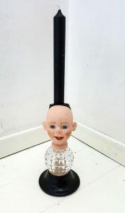 AV SUSANNE: Lysestake laget av hodet til en gammel porselensdukke. http://avsusanne.tictail.com/product/lysestake-rakkerunge