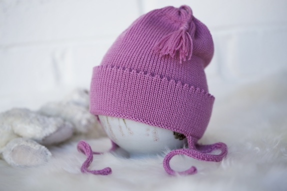 AMY`S KNITTING Babylue med øreklaffer https://www.epla.no/handlaget/produkter/867212/