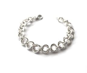 KarianneG: SALG! Roselenke sølvarmbånd https://karianneg.com/nettbutikk/index.ehtml/products/roselenke-s%C3%B8lvarmb%C3%A5nd.html