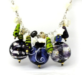 Trollsmed: Yo Purple! Håndlaget glasssmykke 925 sølv https://www.epla.no/handlaget/produkter/881206/